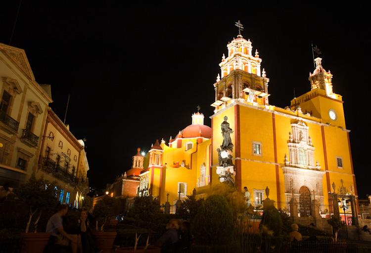 The Basilica in the heart of Guanajuato