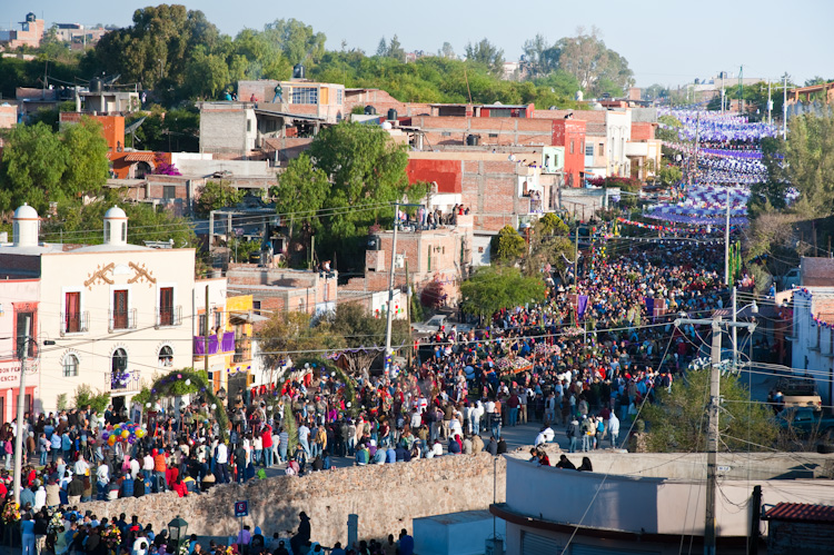 The procession approaches after walking most of the night from Atotonilco